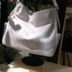 撥水加工革のバッグ